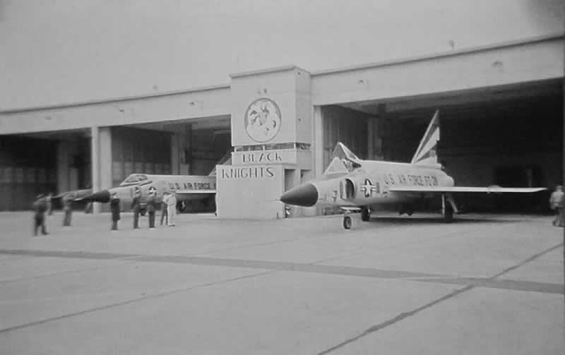 USAF F-102 Delta Daggers of the Black Knights